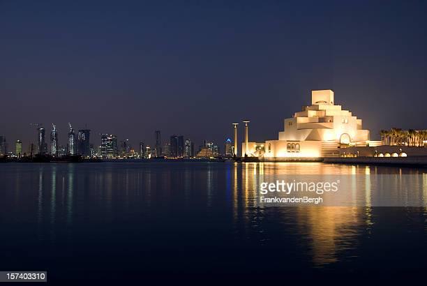 Skyline di Doha a notte