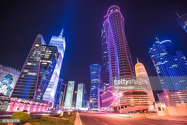doha skyline of the downtown in qatar - doha stockfoto's en -beelden