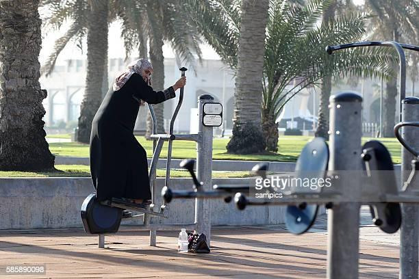 Doha Stadt Promenade La Corniche Fitness am Morgen