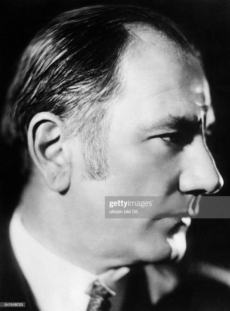 Dohnanyi, Ernst (Ernoe) von - Composer, Hungary *27.07.1877-09.02.1960+- Portrait - 1937 - Photographer: Presse-Illustrationen Heinrich HoffmannVintage property of ullstein bild : News Photo