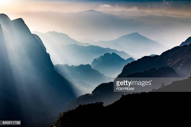 doi luang chaing dao - spiritualität stock-fotos und bilder