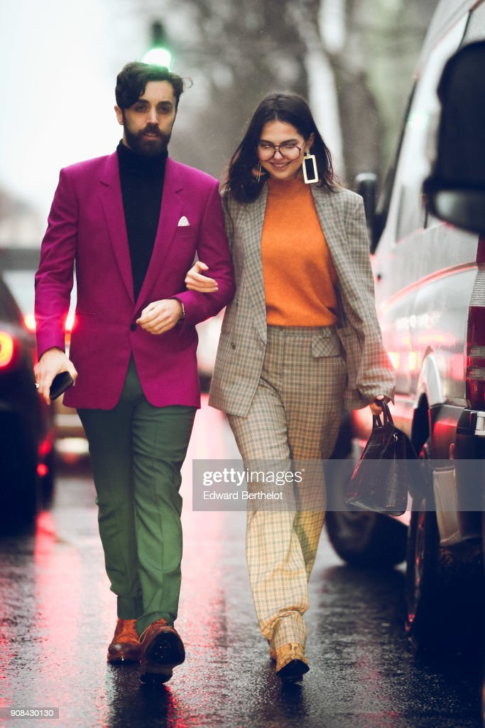 Street Style -Paris Fashion Week - Menswear Fall Winter 2018-2019 : Day Six : News Photo