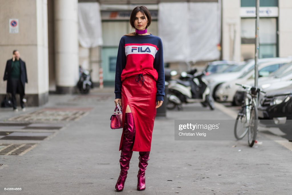 Street Style: February 26 - Milan Fashion Week Fall/Winter 2017/18 : News Photo