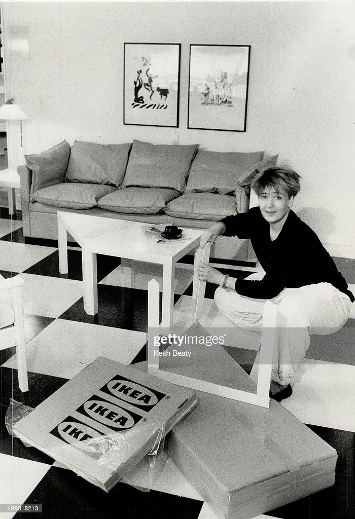 Do-it-yourself Kits: Swedish showroom decorator Marit Schjetne assembles a $35 Lack table at Ikea's ... : Foto jornalística