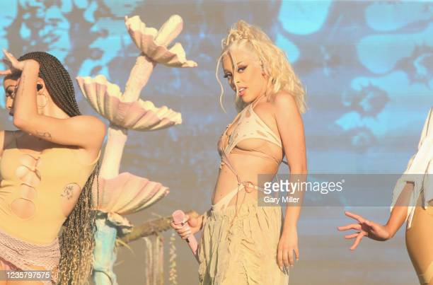 Doja Cat performs in concert during day two of the second weekend of Austin City Limits Music Festival at Zilker Park on October 9, 2021 in Austin,...