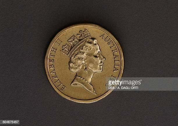 1 dollar coin obverse depicting Elizabeth II Australia 20th century