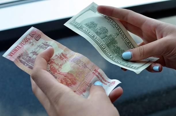 Dolar Blue Pesos And Dollars