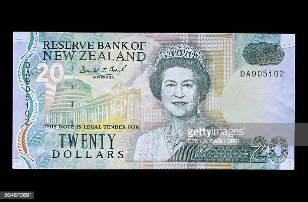 Dollars banknote obverse depicting Elizabeth II . New Zealand, 20th century.