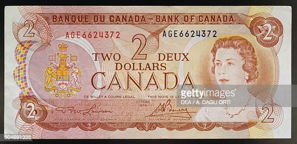 2 dollars banknote obverse queen Elizabeth II Canada 20th century