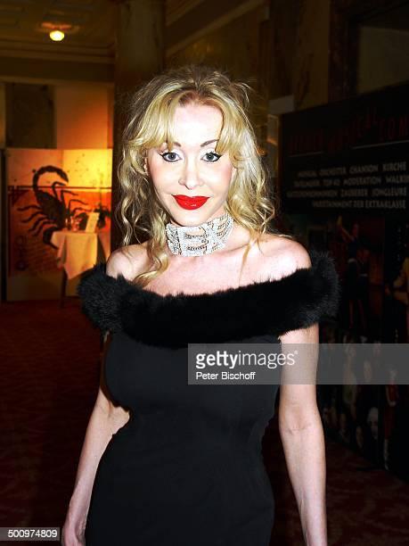 Dolly Buster 50 Jahre UNICEF Deutschland Sternen Gala Bad NeuenahrAhrweiler Kurhaussaal Kleid PornoStar Promi Promis Prominente PNr544/2003 LK Foto...