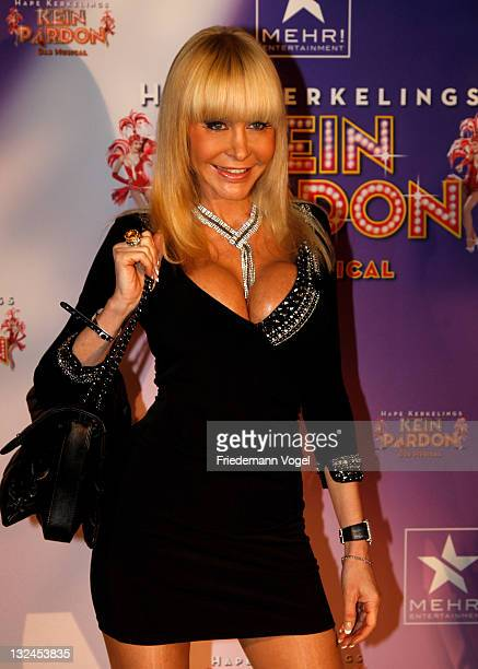 Dolly Buster poses during the worldpremiere of the 'Kein Pardon' musical at the Capitol Theater on November 12 2011 in Duesseldorf Germany