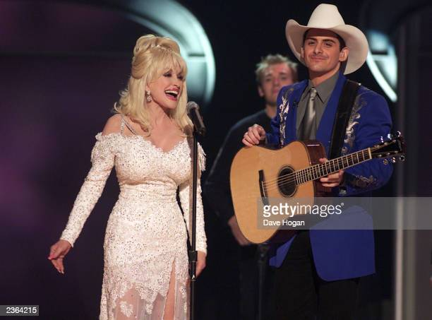 Dolly Parton and Brad Paisley performing a duet at the 43rd Annual Grammy Awards at the Staples Center in Los Angeles on February 21 2001 Photo Dave...