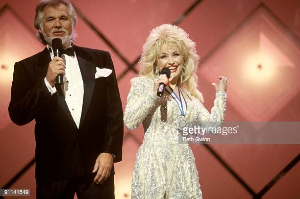 Dolly Parton and Kenny Rogers performing, circa 1990.