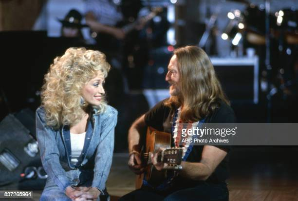 Dolly Parton and Willie Nelson on 'Dolly' in 1987