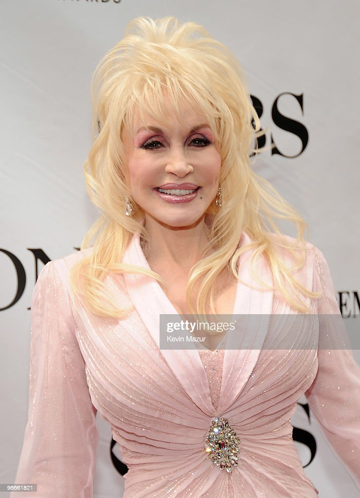 Dolly Parton attends the 63rd Annual Tony Awards at Radio City Music Hall on June 7, 2009 in New York City.