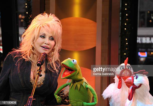 AMERICA Dolly Parton duets with Kermit the Frog on Good Morning America 11/27/12 airing on the Walt Disney Television via Getty Images Television...