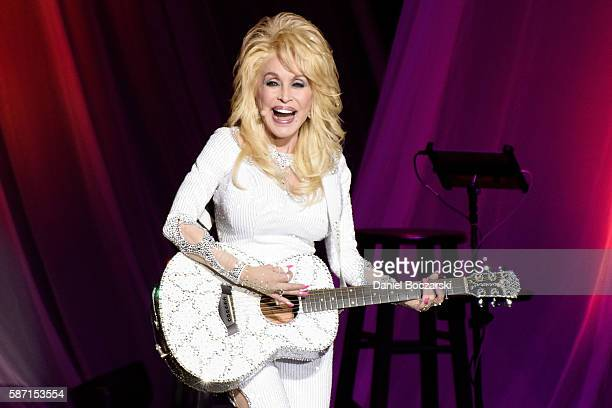 Dolly Parton performs during the Pure & Simple tour on August 7, 2016 in Chicago, Illinois.