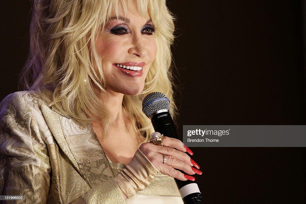 Dolly Parton Press Conference : News Photo