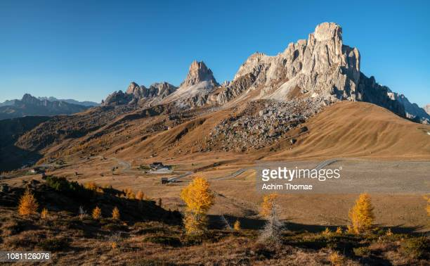 dolomite alps, south tyrol, italy, europe - ruhige szene stock pictures, royalty-free photos & images