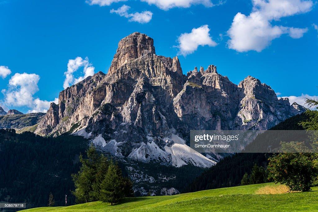 ドロミテイタリア-山々の Passo Sella : ストックフォト