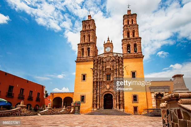 dolores hidalgo cathedral - dolores hidalgo stock pictures, royalty-free photos & images
