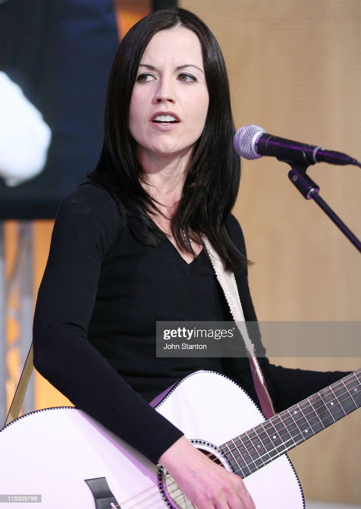 Dolores O'Riordan Performs On Sunrise - May 25, 2007