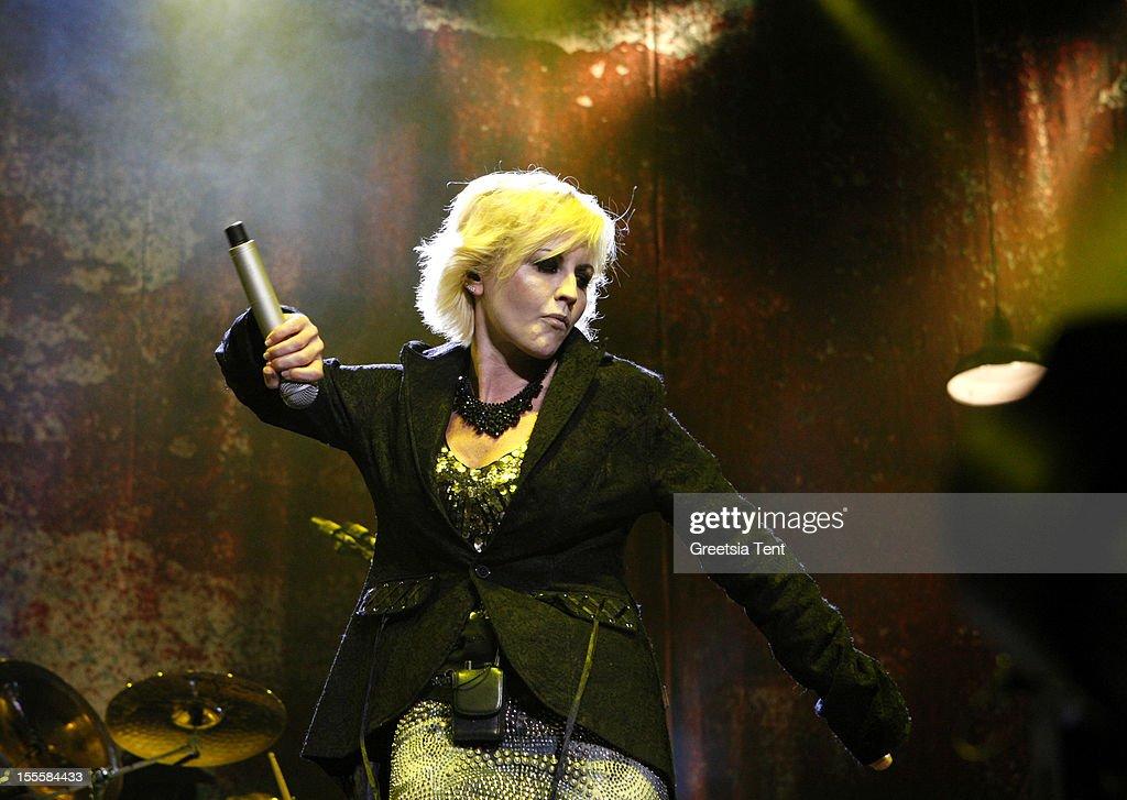 The Cranberries Perform At The Heineken Music Hall : News Photo