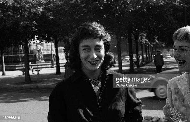Dolores Ruspoli. 10 octobre 1956- Portrait de Dolorès RUSPOLI au mariage de Claude RABBANIT. Gros plan sur son visage.