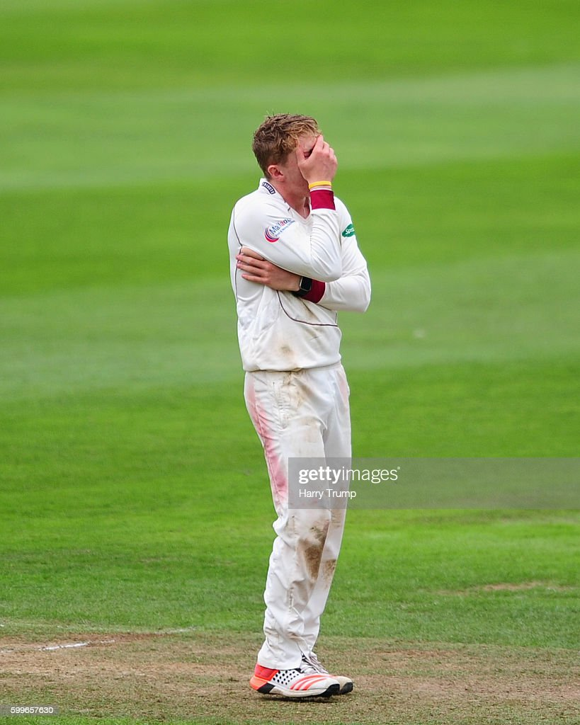 Somerset v Warwickshire - Specsavers County Championship: Division One