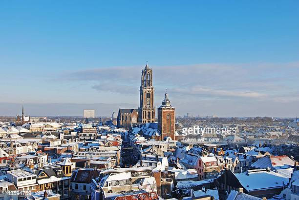 dom tower of utrecht - utrecht stockfoto's en -beelden