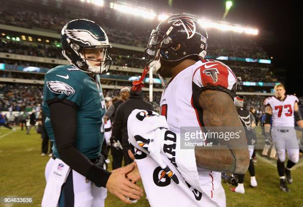 Dom Williams of the Philadelphia Eagles shakes hands with Julio Jones of the Atlanta Falcons after the NFC Divisional Playoff game at Lincoln...