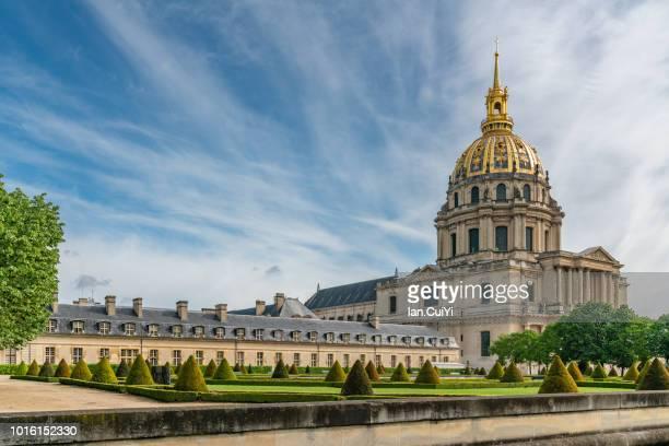 dome of invalides, paris, ile-de-france (day) - dôme photos et images de collection
