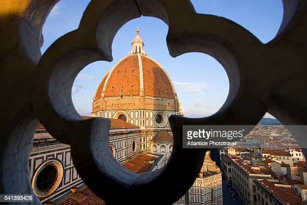 dome of santa maria del fiore cathedral - duomo santa maria del fiore stock pictures, royalty-free photos & images