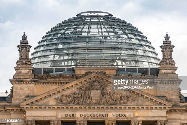 dome of the reichstag, government quarter, berlin, germany - kuppel stock-fotos und bilder
