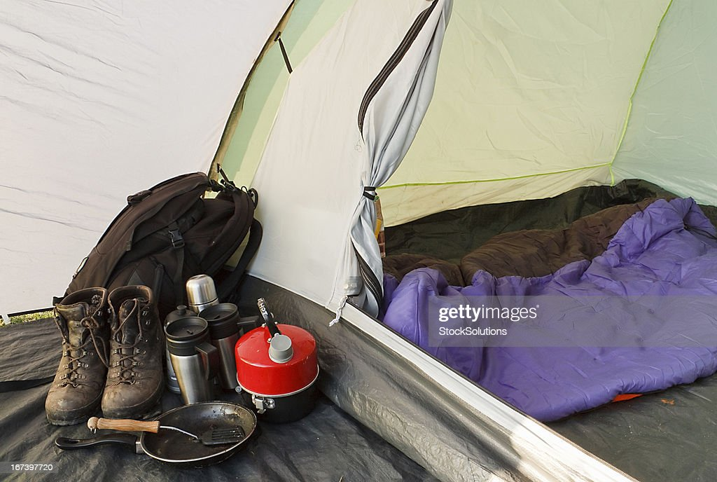 Dome tent camping interior : Stockfoto