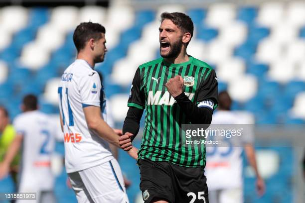 Domenico Berardi of U.S. Sassuolo Calcio celebrates after scoring their side's first goal from the penalty spot during the Serie A match between US...