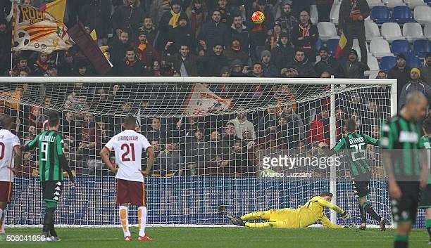 Domenico Berardi of US Sassuolo Calcio misses a penalty during the Serie A match between US Sassuolo Calcio and AS Roma at Mapei Stadium Città del...