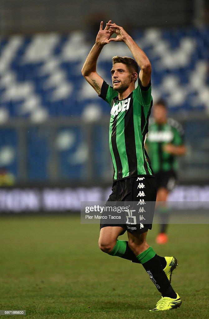 Domenico Berardi of US Sassuolocelebrates his first goal during the Serie A match between US Sassuolo and Pescara Calcio at Mapei Stadium - Citta' del Tricolore on August 28, 2016 in Reggio nell'Emilia, Italy.