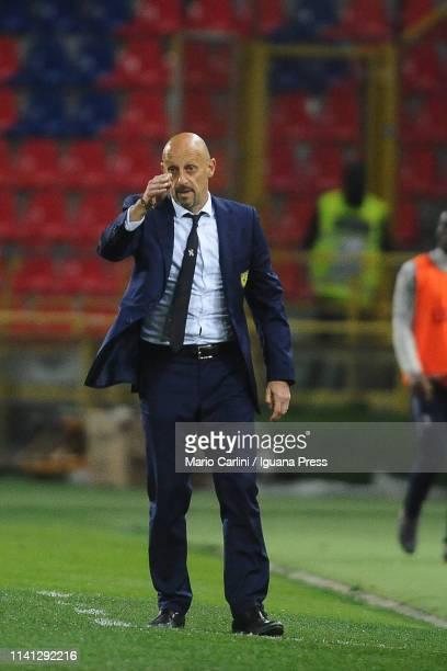 Domenico Di Carlo head coach of Chievo gestures during the Serie A match between Bologna FC and Chievo at Stadio Renato Dall'Ara on April 08 2019 in...