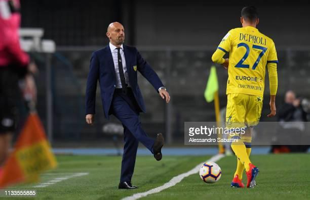 Domenico Di Carlo head coach of Chievo Veroa in action during the Serie A match between Chievo Verona and Cagliari at Stadio Marc'Antonio Bentegodi...