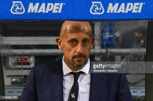 Domenico Di Carlo head coach of Chievo Verona looks on during the Serie A match between US Sassuolo and Chievo at Mapei Stadium Citta' del Tricolore...