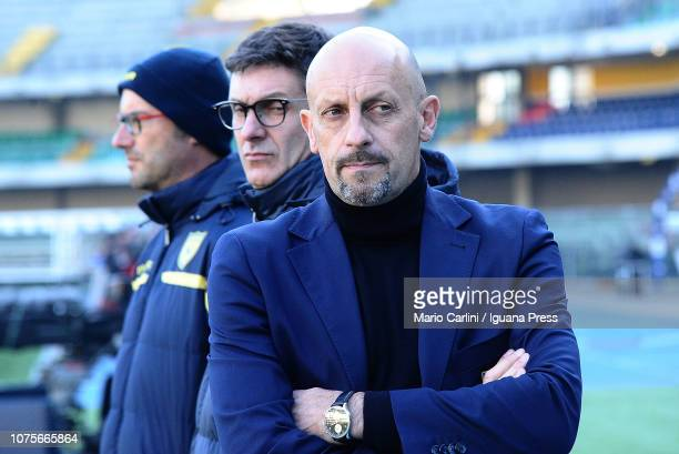 Domenico Di Carlo head coach of Chievo Verona looks on prior the beginning of the Serie A match between Chievo Verona and Frosinone Calcio at Stadio...