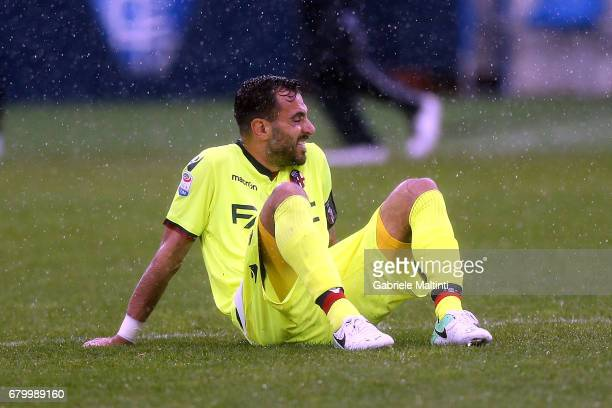 Domenico Maietta of Bologna FC shows his dejection during the Serie A match between Empoli FC and Bologna FC at Stadio Carlo Castellani on May 7 2017...