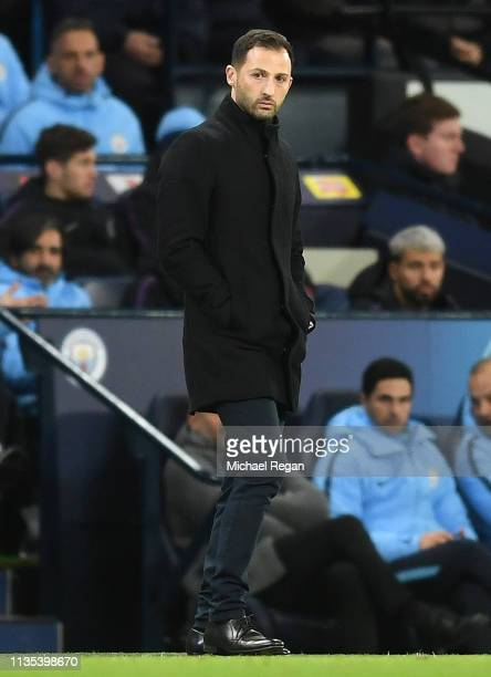 Domenico Tedesco Manager of FC Schalke 04 looks on during the UEFA Champions League Round of 16 Second Leg match between Manchester City v FC Schalke...