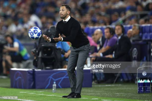Domenico Tedesco Manager of FC Schalke 04 reacts during the Group D match of the UEFA Champions League between FC Schalke 04 and FC Porto at...