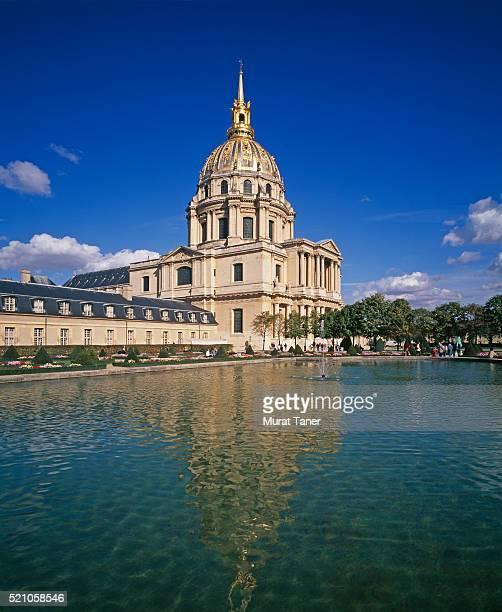 domes des invalides - カルチェデザンヴァリッド ストックフォトと画像