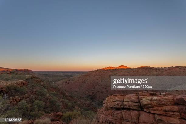 domes of watarrka national park - エアーズロック ストックフォトと画像