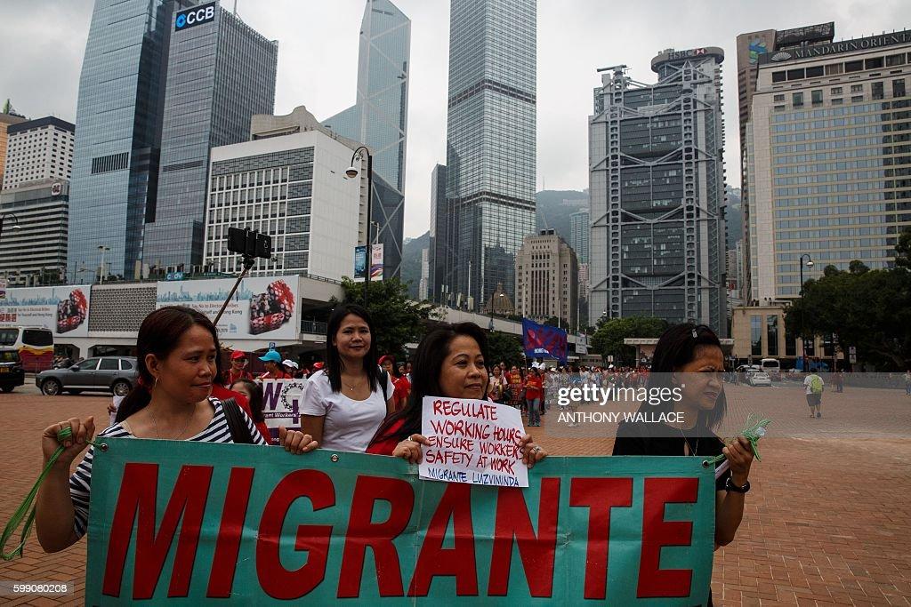 HONG KONG-POLITICS-LABOUR-RIGHTS-MAIDS : News Photo