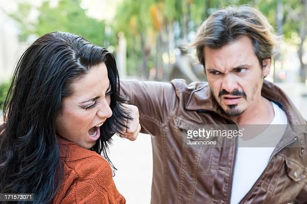 la violencia doméstica - mujer violada fotografías e imágenes de stock