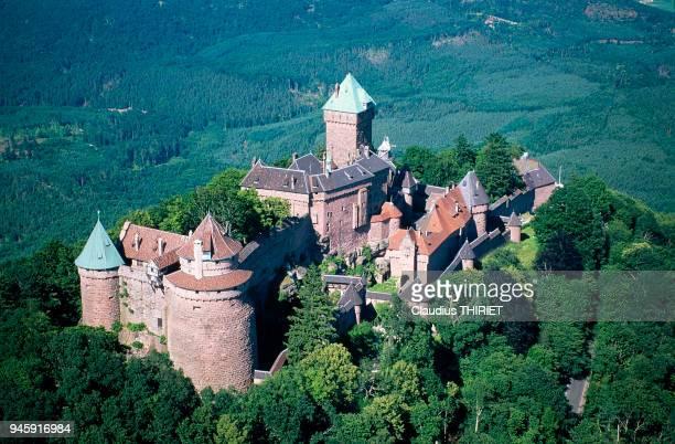 Dominant la plaine 757 mtres d'altitude le chteau du HautK'nigsbourg est une forteresse construite au XIIme sicle reconstruite et modernise la fin du...